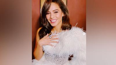 Vanessa Hudgens Bergaya Hollywood Klasik di Premier Bad Boys for Life