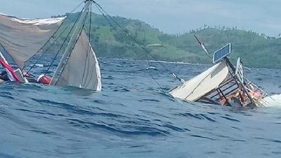 Boat Carrying Jokowi's Media Entourage Capsizes at Labuan Bajo