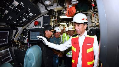 Jokowi Eyeing to Spend Defense Budget on Domestic Products