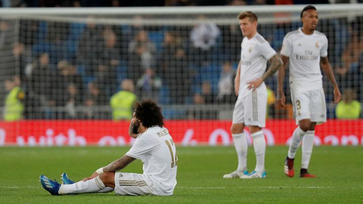 Real Madrid's Marcelo looks dejected after the match Copa del Rey between Real Madrid vs Real Sociedad at Santiago Bernabeu, Madrid, February 6, 2019.  Real Madrid were dumped out of the Copa del Rey at the quarter-final stage on Thursday after losing 4-3 at home to Real Sociedad. REUTERS/Susana Vera