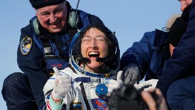 Koch Returning to Earth after Record Space Station Mission