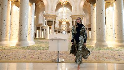 Ivanka Trump Wears a Hijab in Sheikh Zayed Grand Mosque