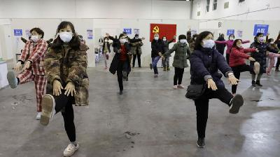 Dancing Inside a Coronavirus Hospital in Wuhan