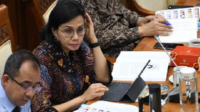 Sri Mulyani Grilled Over Lack of APD Supply amid COVID-19 Spike
