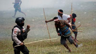 Clashes among Participants on Pasola War Festival in West Sumba