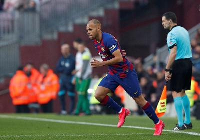 Debut Manis Braithwaite di Barca: Beri 2 Assist, Dipeluk Messi