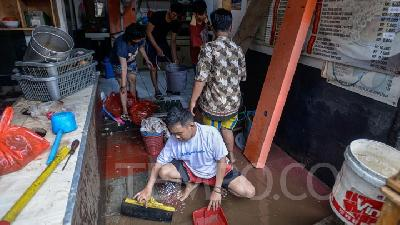 Kadin Urges Anies Baswedan to Make Flood Early Warning System