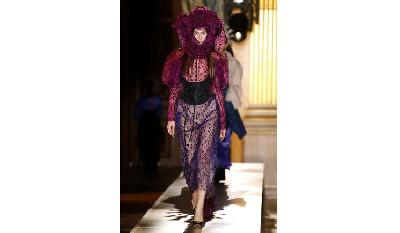 Paris Fashion Week Digelar Virtual, Tanpa Sosialita dan Paparazi