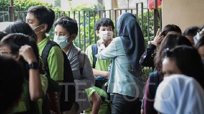New Normal, Jakarta Yet to Decide Start of New School Year