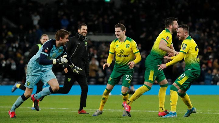 Norwich Beat Tottenham Hotspurs on Penalties
