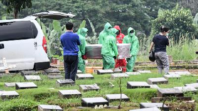 Depok's Coronavirus Burial Site Protested by Local Residents