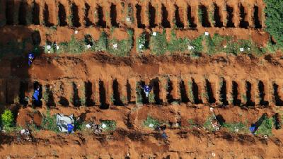At Brazil's Biggest Cemetery for Coronavirus Victims