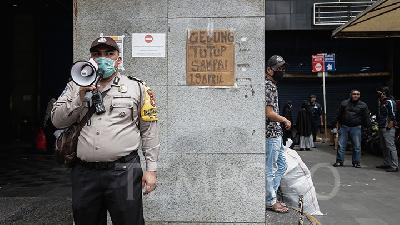 Police to Tighten Patrols as Jakarta Imposes Social Restrictions