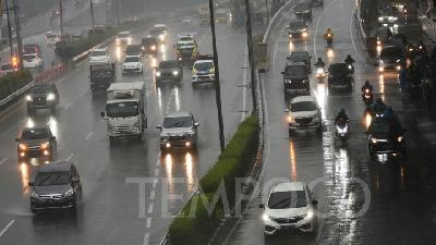 BMKG Forecasts Thunderstorm in Jakarta This Afternoon