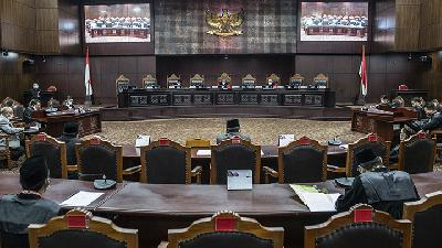 Govt's 'Perpu COVID-19' Faces Litigation from Anti-graft Groups