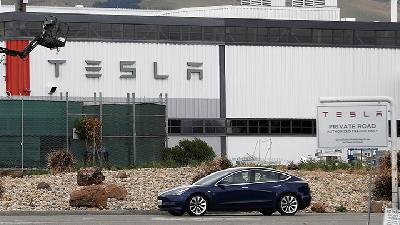Musk: Tesla 'Very Close' to Level 5 Autonomous Driving Technology