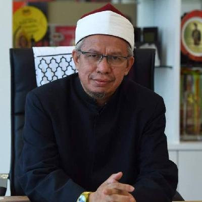 Malaysian Religious Affairs Minister Tested Positive for Covid-19 after Campaign