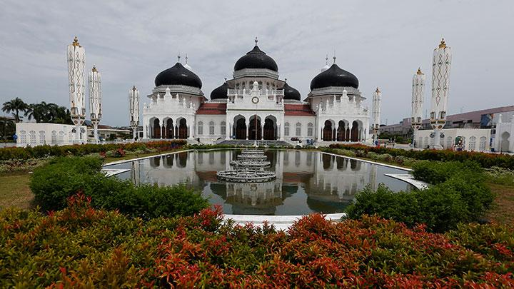 Baiturrahman Grand Mosque in Banda Aceh, Aceh, Saturday, May 23, 2020. ANTARA/Irwansyah Putra