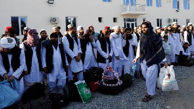 Afghanistan to Free 900 Taliban, Urges Ceasefire Extension