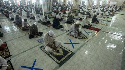 New Normal; Jakarta MUI Issues Fatwa on Friday Prayer