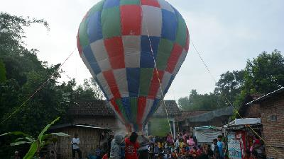 Pekalongan Bans Hot Air Balloon Festivity 'Syawalan'