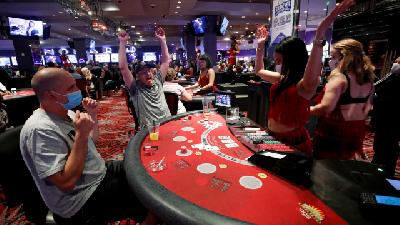Casinos Reopen In Las Vegas after Long Closure