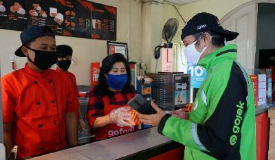 Gojek Supports 100.000 Local MSMEs Go Online