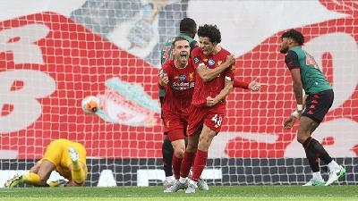 Liverpool Maintain 100 Percent Pome Pecord with Win over Villa