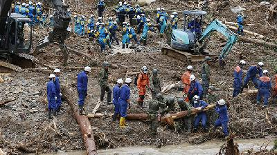 Japan Floods, Mudslides Kill at Least 44 as Streets Turn to River