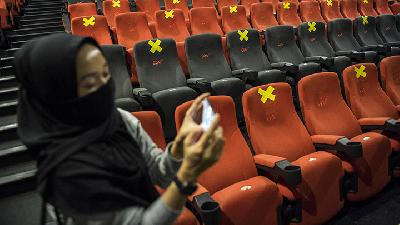 Jakarta Postpones the Reopening of Movie Theaters