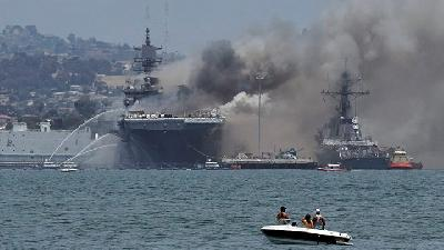 Fire Aboard U.S. Navy Warship in San Diego Injures 21 People