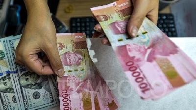 Rupiah Still Undervalued at 14,700 per Dollar, BI Governor Says