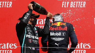 Runner Up F1 70th Anniversary GP, Lewis Hamilton Ungkap Masalah Ban Mercedes