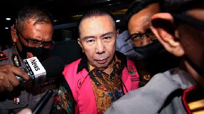 The Complex Knot of Joko Tjandra's Bribery