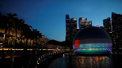Unik, Apple Store di Marina Bay Sands Ini Mengapung