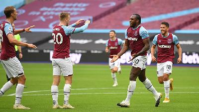 Manchester City Vs West Ham, Guardiola: Michail Antonio Bisa Bikin Kami Pusing