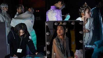 Intip Aktivitas Model di Backstage China Fashion Week