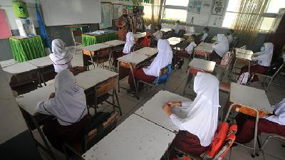 Indonesia Closes Another School after Student Contracts Covid-19
