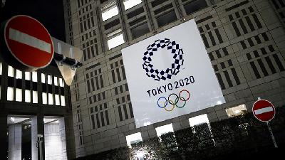 Tokyo Olympics Chief Commits to Games as Infections Surge