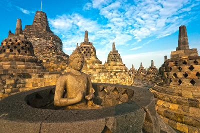 Govt Builds 4 Iconic Gates to Borobudur Temple