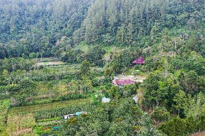 Lake Toba's Taman Eden 100 Offers Educational Tourism