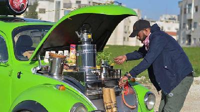 Jordanian Man Serves Hot Drinks Out of His Classic Beetle