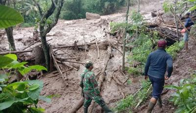 Landslide Destroys Dozens of Houses in Lumajang, Zero Casualties