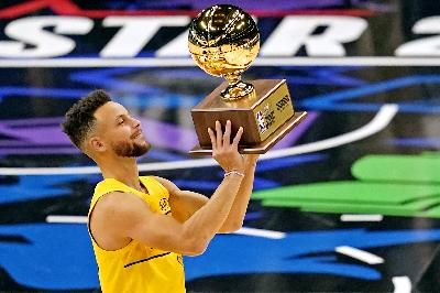 Stephen Curry Juarai Kontes Tiga Poin All-Star Game NBA