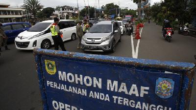 Police Close Puncak Routes on Eid Holidays