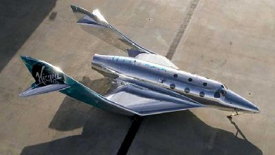 Sleek and Silver: Virgin Galactic's New Spaceship