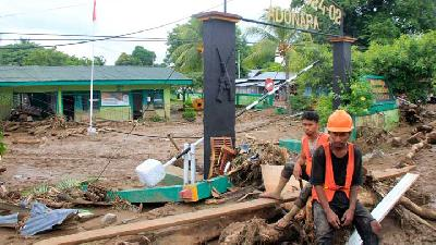 NTT Flood; Indonesian Police Dispatch K9 Dogs to Search Missing Victims