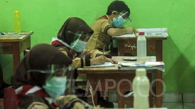 Jakarta Starts Back-to-school Trial Today