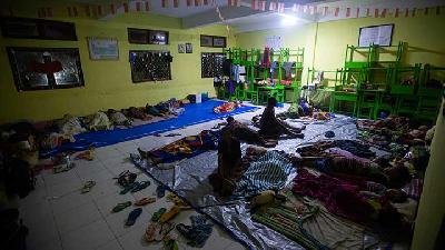 EU Gives Rp3 Bn Aid for Cyclone Seroja Victims