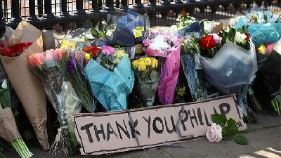 Britain Mourns Prince Philip but 'No Flowers Please' Due to Cvid-19 Restriction